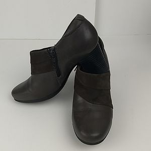 Clark's Bendables Leather Uppers w/ Suede Size 8.5